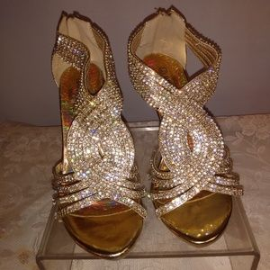 Delicacy Gold High Heel Shoes